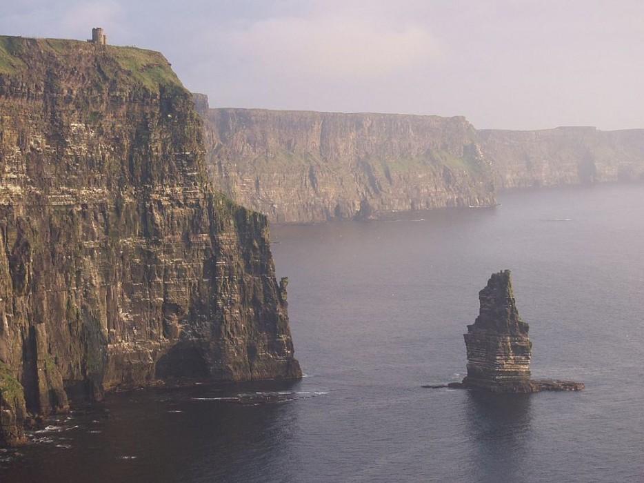 1024px-Cliffs_OBriens_Tower-934x